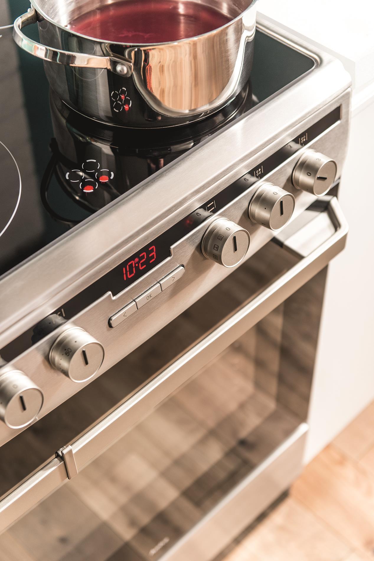 Kuchnia wolnostojąca ceramiczna 600 618CE3 434HTaKDQ(Xx)  Amica -> Amica Kuchnia Ceramiczna Superline